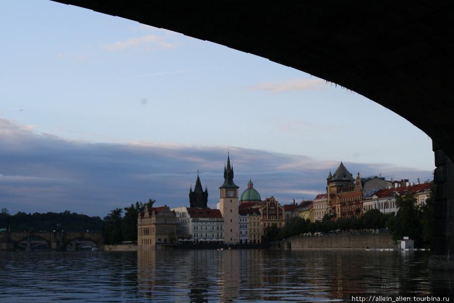 Вперед — под мостом, как Чкалов.