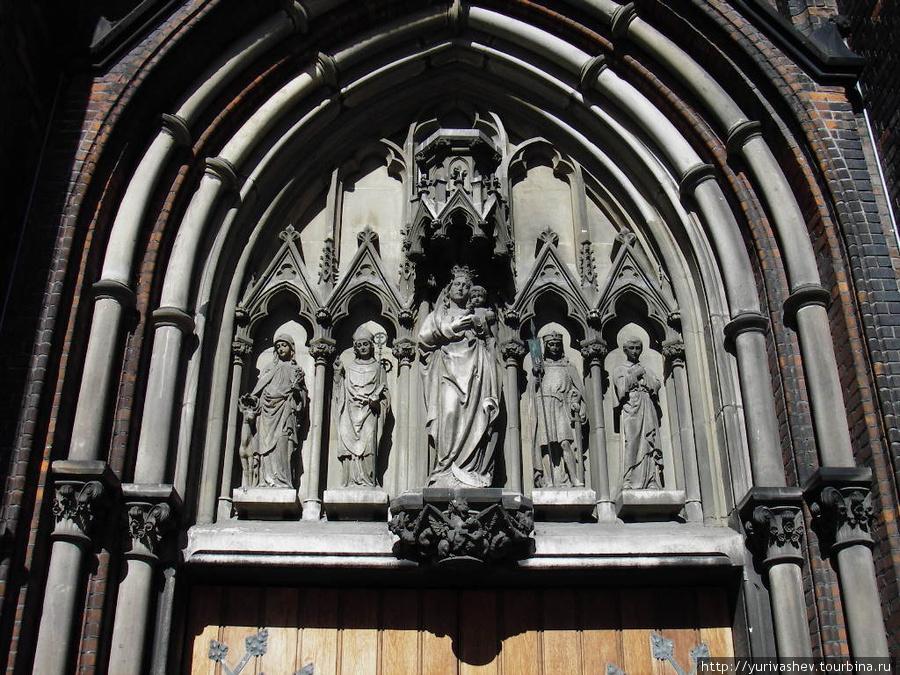 Орхус, фрагмент портала собора