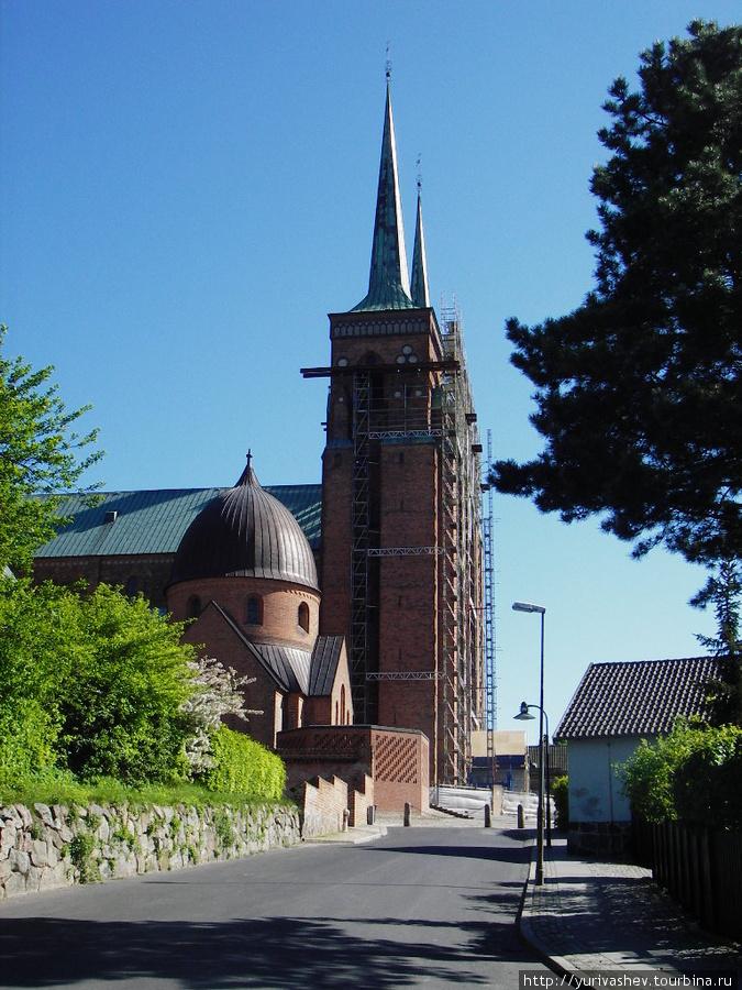 Роскилле, собор-усыпальница датских королей
