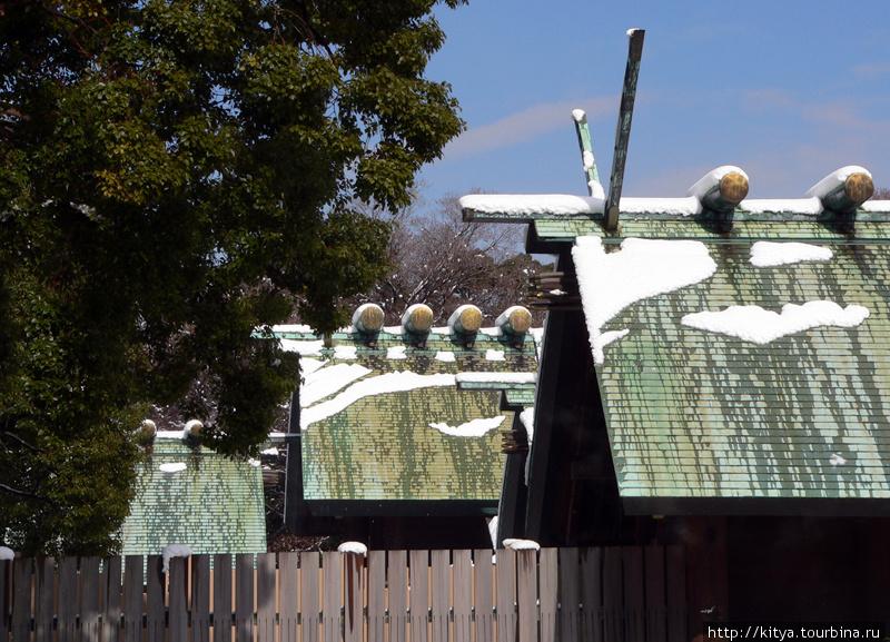 Крыши храма Ацута-дзингу