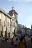 Во дворе базилики Санта Нино в Себу