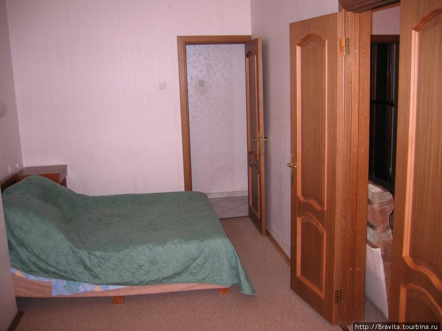 Спальня в двухкомнатном номере 3 корпуса