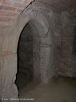 Г. Жешув, Польша. Вход в средневековый подземный дом находящийся в подземельи
