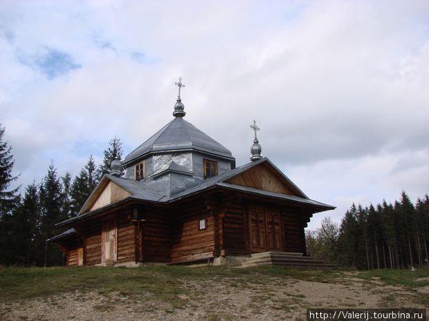 Церковь Петра и Павла в горах.