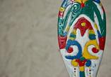 Декоративное весло. У каждого клана лагуны Сизано своя раскраска и резьба.