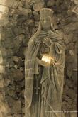 г. Величка, Польша. Соляная шахта в Величке. Часовня Святой Кинги. II нижний уровень, глубина 101 м  Пресвитерий часовни украшен как скульптурными работами с начала XX века, так и созданными за последние годы. Главный алтарь – один из старейших элементов декора, дело рук Юзефа Марковского, состоит из трех частей. Посредине виднеется фигура св. Кинги, окруженная кристаллами соли.