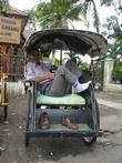 Педальные рикши еще сохранились в городе