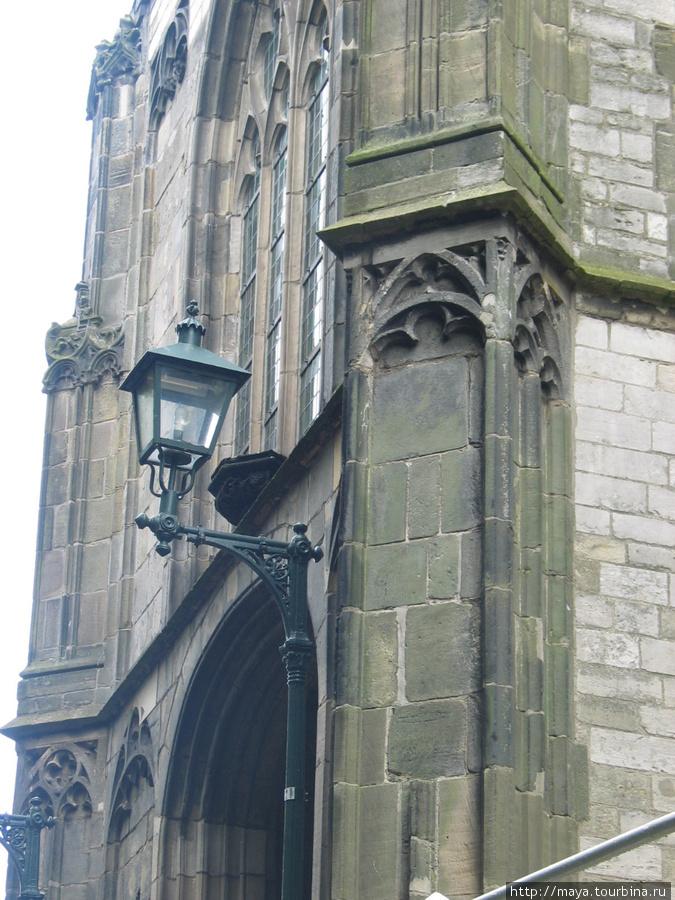 Старая церковь снаружи