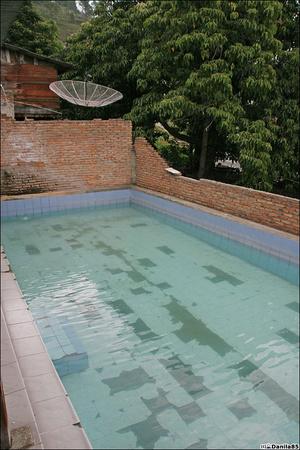 Частный бассейн у горячего источника.