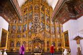 Воскресенский войсковой собор внутри. Это первый на Дону каменный собор. Он строился с 1706 по 1719 год. Вплоть до 1805 года Воскресенский собор являлся главным храмом не только Черкасска, но и всего Войска Донского.