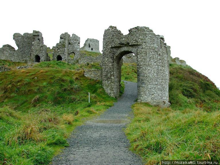 Средневековый замок Данам