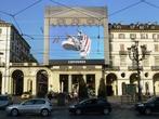Реклама на площади Vittorio Veneto