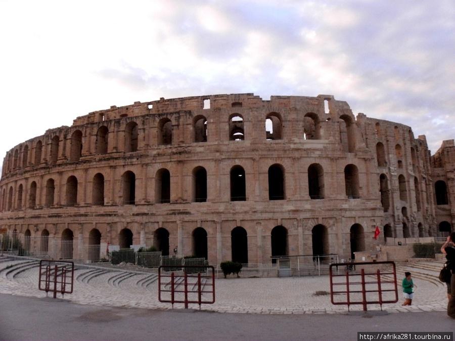 Амфитеатр в Эль Джеме