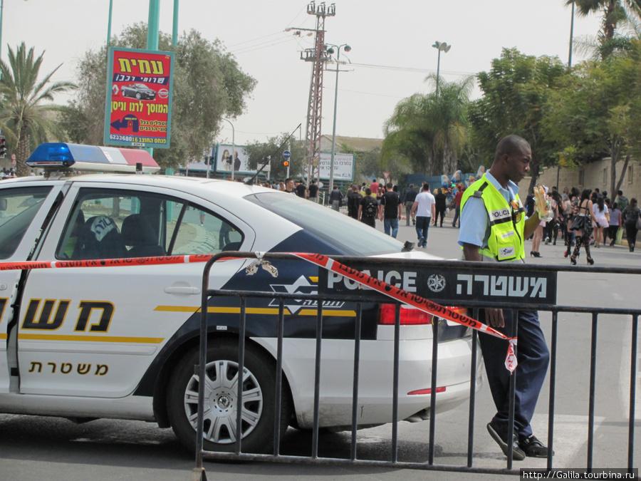 Полиция подкрепляется.