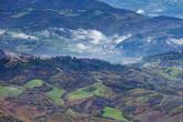 Очень часто Италию называют лоскутной, потому что почти вся территория словно маленькие лоскутки всевозможных зеленных оттенков! Сан-Марино, как и Италия тоже состоит из маленьких кусочков