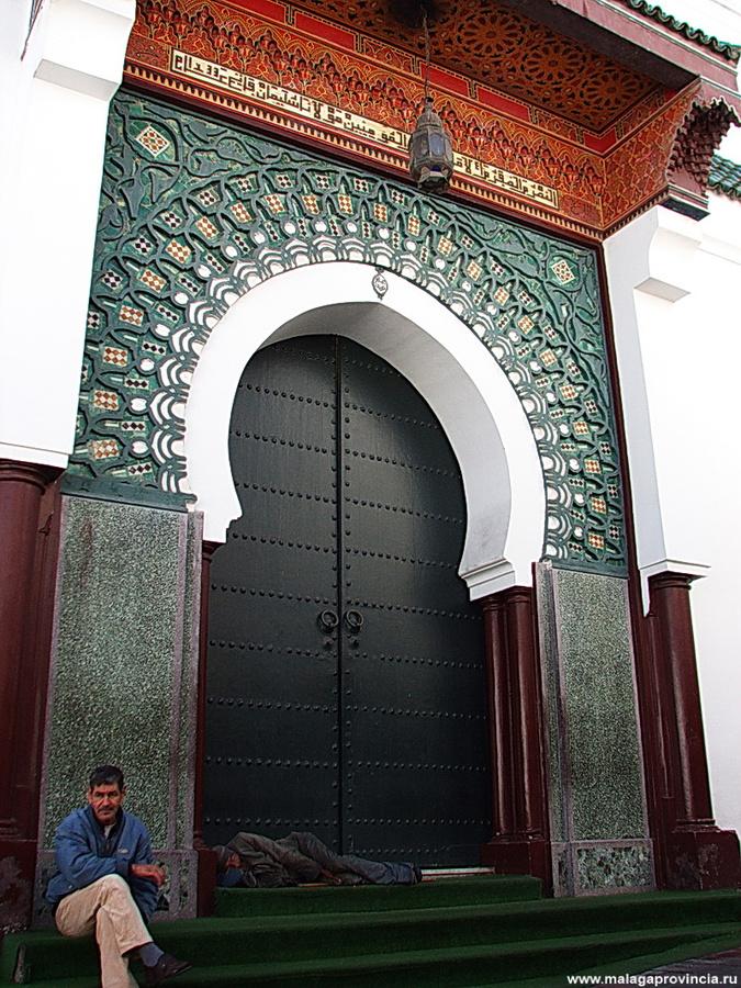 входные ворота мечети