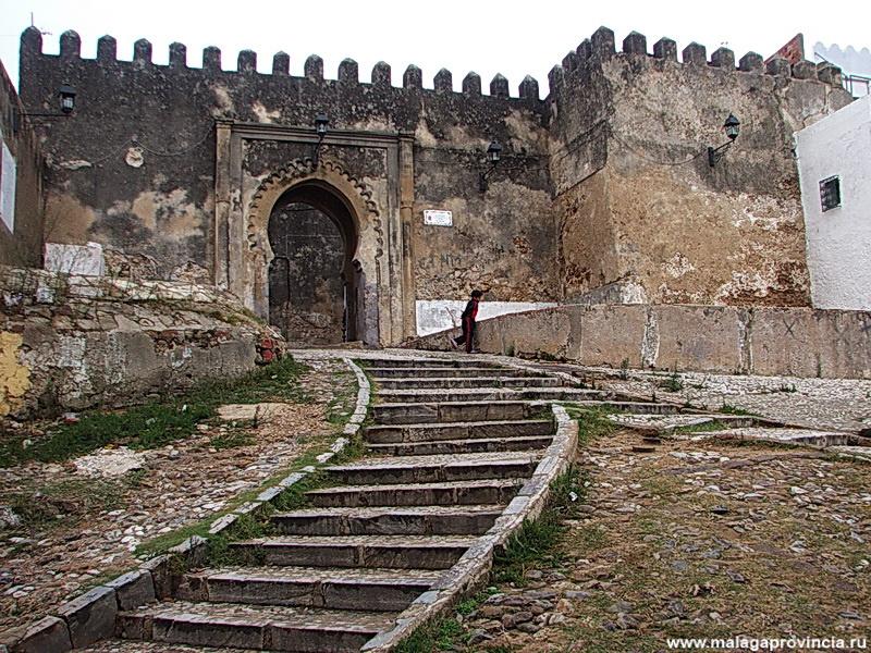 вход в Касбу днем — древн