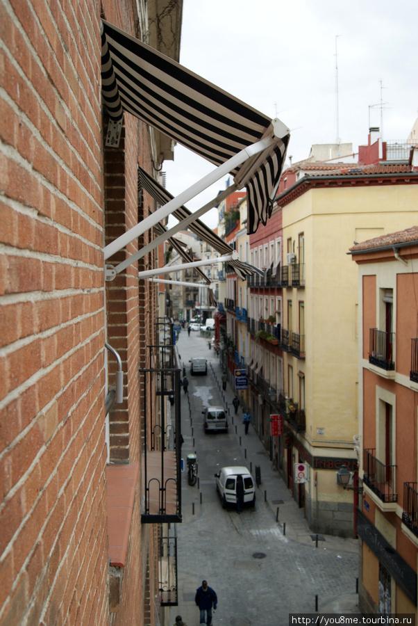 вот такие, совсем узенькие балкончики