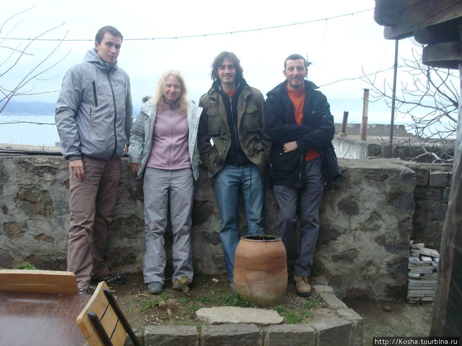 Макс, я, Начо из Аргентины и Джихад, у которого кофта, почти, как у меня)