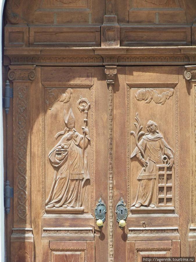 Ворота собора