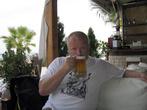 поселок Певкохори, пиво Мифос не фонтан, но пить можно