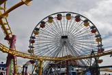 Колесо — самая известная и заметная часть парка