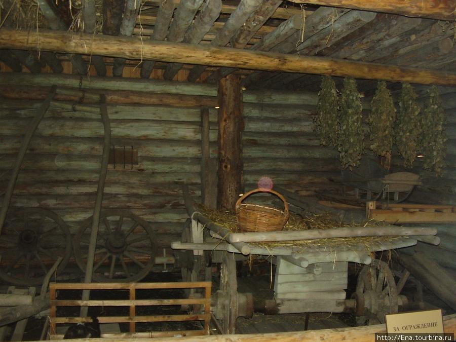 22.05.2010. Суздаль. Музей деревянного зодчества. В доме крестьянина