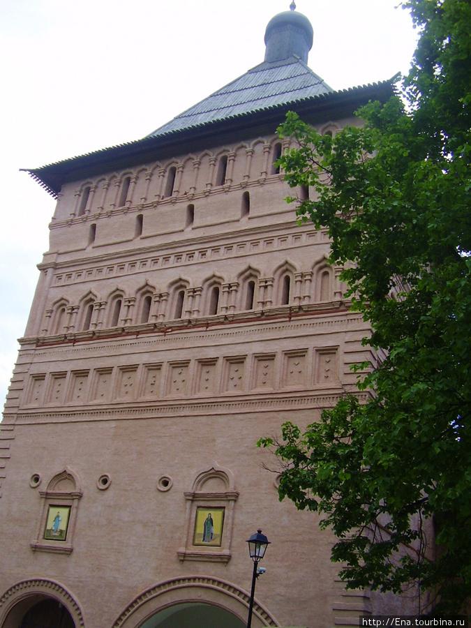 22.05.2010. Суздаль.  Спасо-Евфимиев монастырь. Главная проездная башня