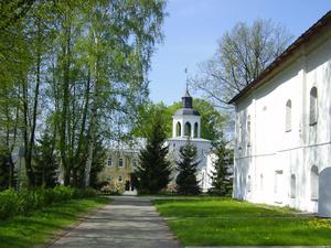 11.05.2008. Поездка на Толгу.  В стенах монастыря.