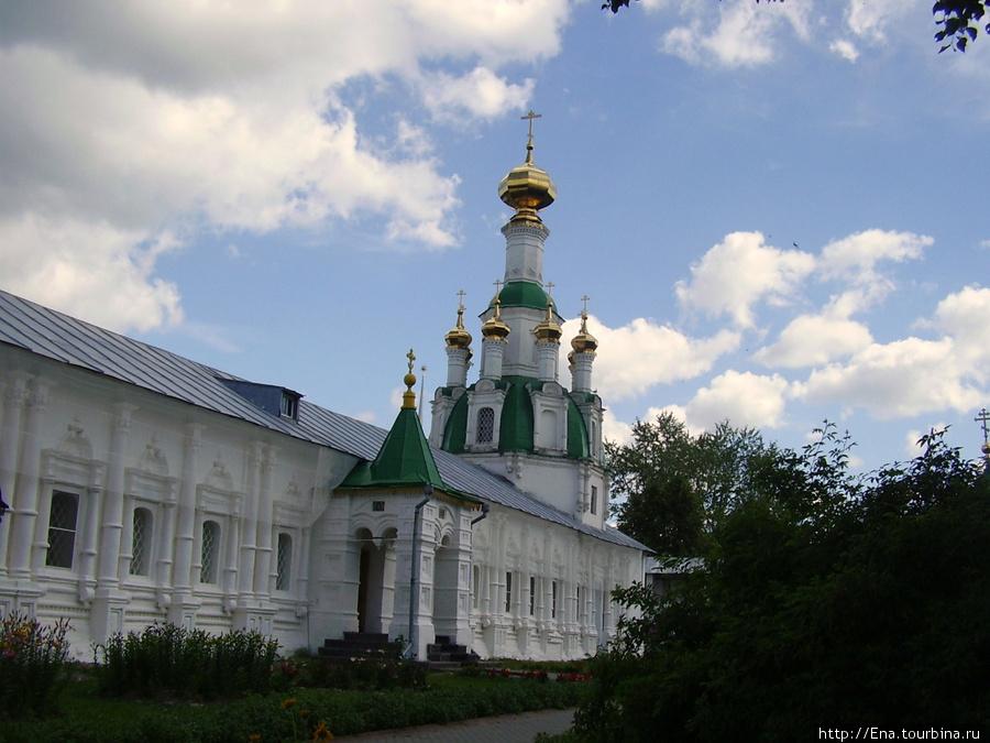 12.07.2009. Толгский монастырь. Спасский храм