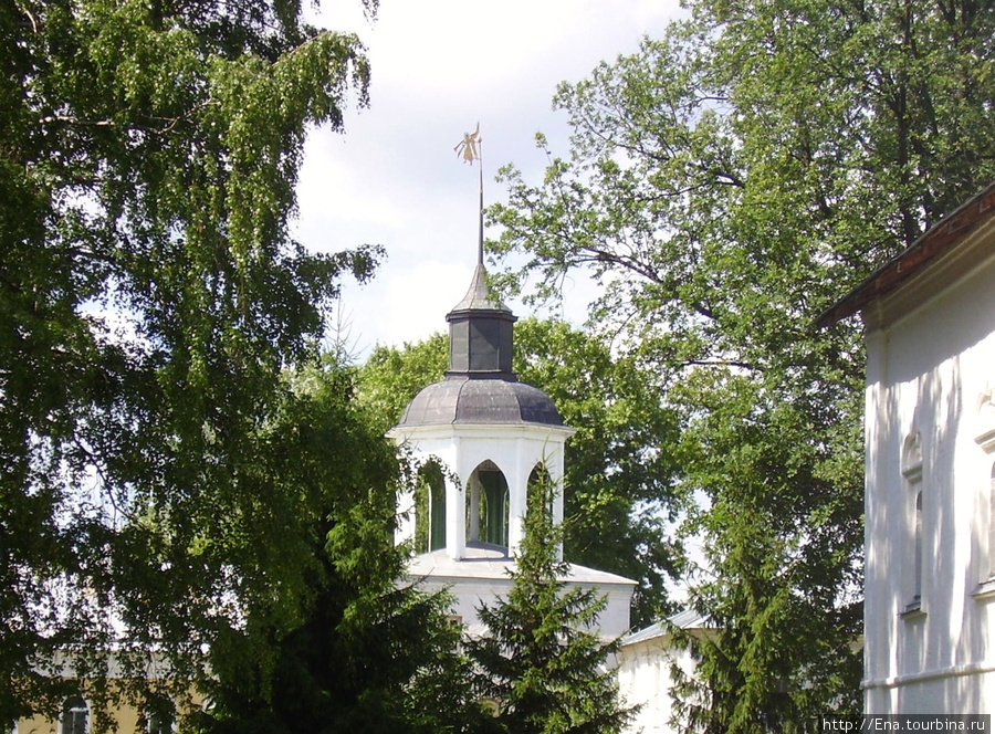 12.07.2009. Толгский монастырь. Башенка