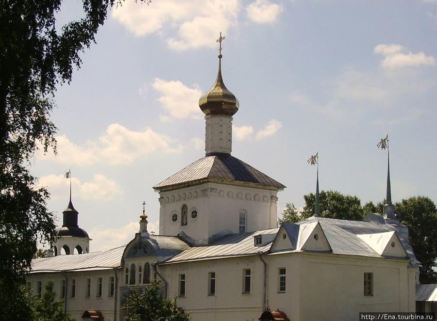 12.07.2009. Толгский монастырь. Никольский надвратный храм