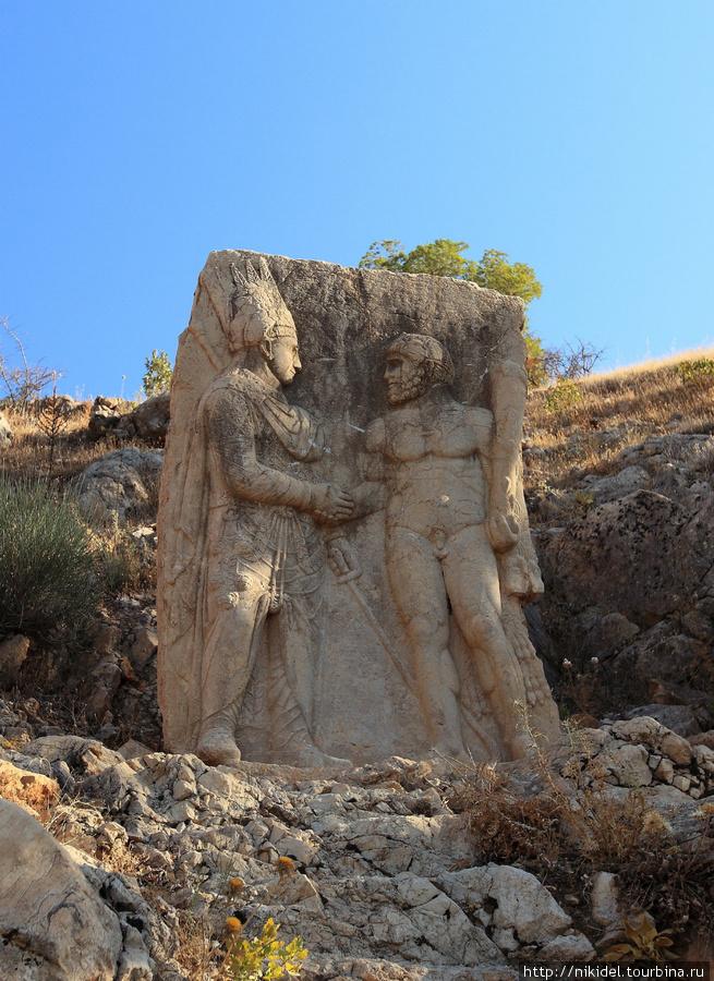 стеллы Арсамии (Митридат и Геркулес)