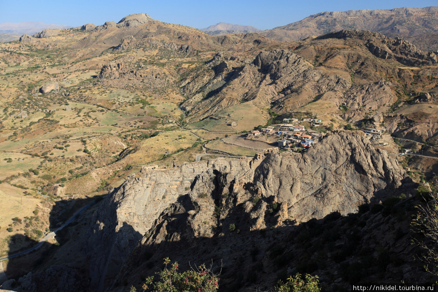 Арсамия располагалась на вершине горы. Вид на окрестности