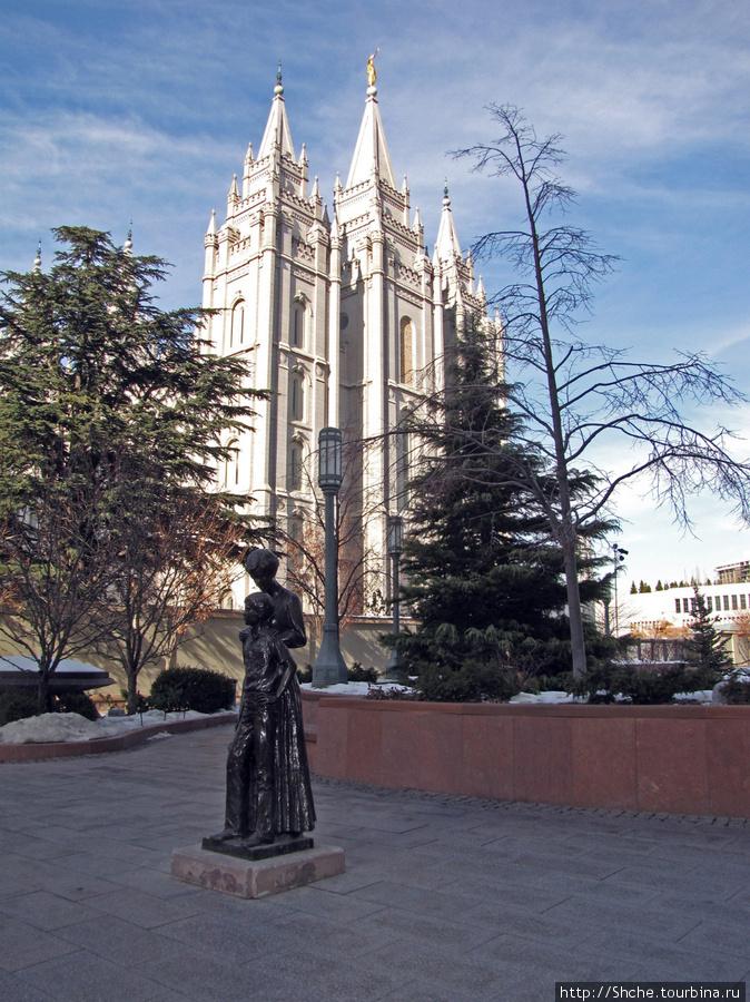 Эта громадина и есть Salt Lake Temple
