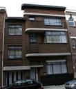 г. Синт-Никлас, Бельгия. Уникальная старинная улочка De Monseigneur Stillemansstraat. Здесь каждый дом выстроен в стиле Арт-деко. В 2002 году каждый дом на этой улице был отреставрирован, и охраняются как памятники архитектуры. А сама улица является охраняемым памятником городского пейзажа. На фотографии дом № 41.