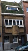 г. Синт-Никлас, Бельгия. Уникальная старинная улочка De Monseigneur Stillemansstraat. Здесь каждый дом выстроен в стиле Арт-деко. В 2002 году каждый дом на этой улице был отреставрирован, и охраняются как памятники архитектуры. А сама улица является охраняемым памятником городского пейзажа. На фотографии дом № 49.