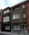 г. Синт-Никлас, Бельгия. Уникальная старинная улочка De Monseigneur Stillemansstraat. Здесь каждый дом выстроен в стиле Арт-деко. В 2002 году каждый дом на этой улице был отреставрирован, и охраняются как памятники архитектуры. А сама улица является охраняемым памятником городского пейзажа. На фотографии дома № 58 и 60.