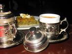 Кофе. Это уже не напиток, а настоящий символ страны. У нас даже джезву, в которой кофе варят, принято называть туркой. Удивительно, но сам кофе в Турции не выращивают, климат не подходит. Зато кофе в Турции пьют. Очень крепкий, очень горячий, в очень маленьких чашечках, с упругой, похожей на крем пенкой и запивая холодной водой.