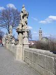 От Собора св. Барбары и Градека к Костёлу св. Якуба и Влашскому двору ведет терраса иезуитского колледжа, которая очень напоминает Карлов мост.