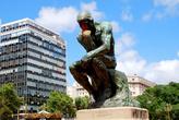 Роденовский Мыслитель очень гармонично смотрится на площади перед Капитолием
