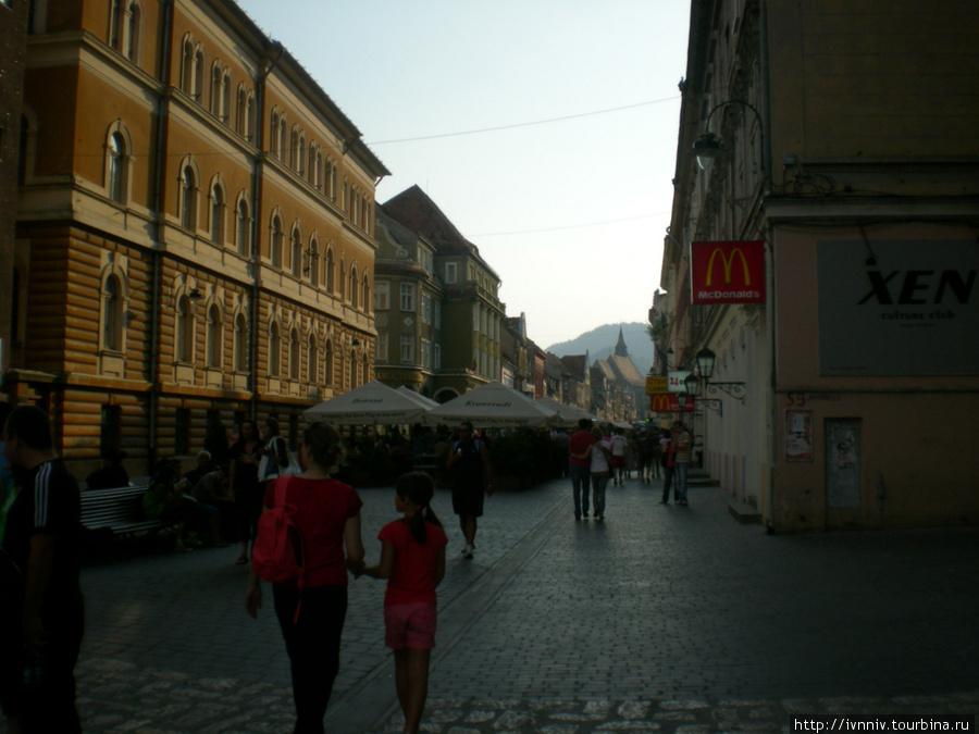 центральная улица старого города