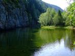 Последний десятый день гнали на великах, большей частью под гору. Фотать почти и не останавливались. Озерцо рядом с трассой Абакан — Ак Довурак на реке Она.