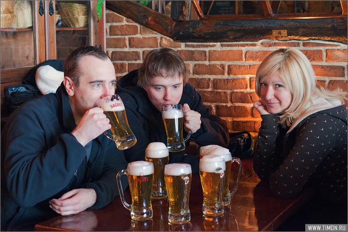 Happy Hour в действии, заказали 4 пива, получили за те же деньги 8.