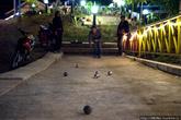 Национальная игра Лаоса — петанк, наследство от французов. Некогда Лаос был французской колонией и во многом это влияние заметно сейчас, в архитектуре старых зданий, в обращении —