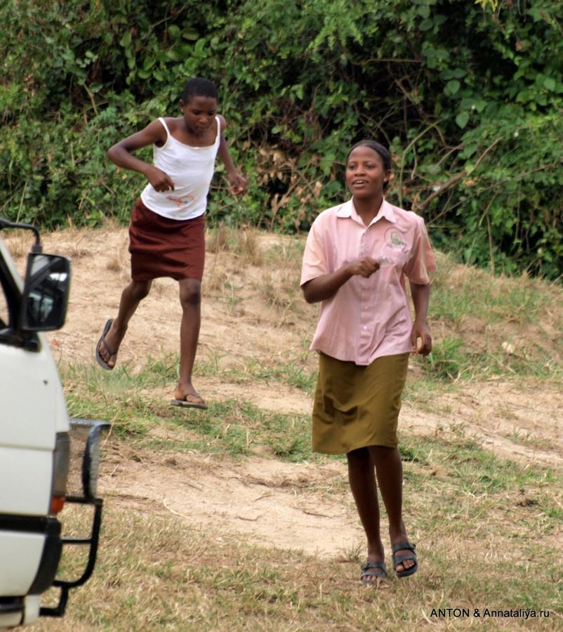 Фото деревенских девушек в гольфах 8 фотография