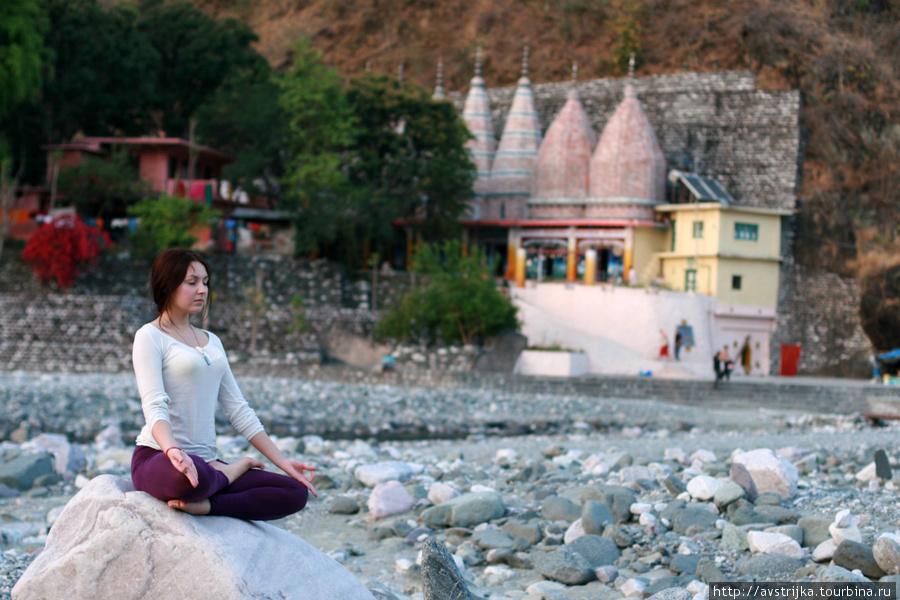 Высохшее русло священной реки Халдвани, Индия