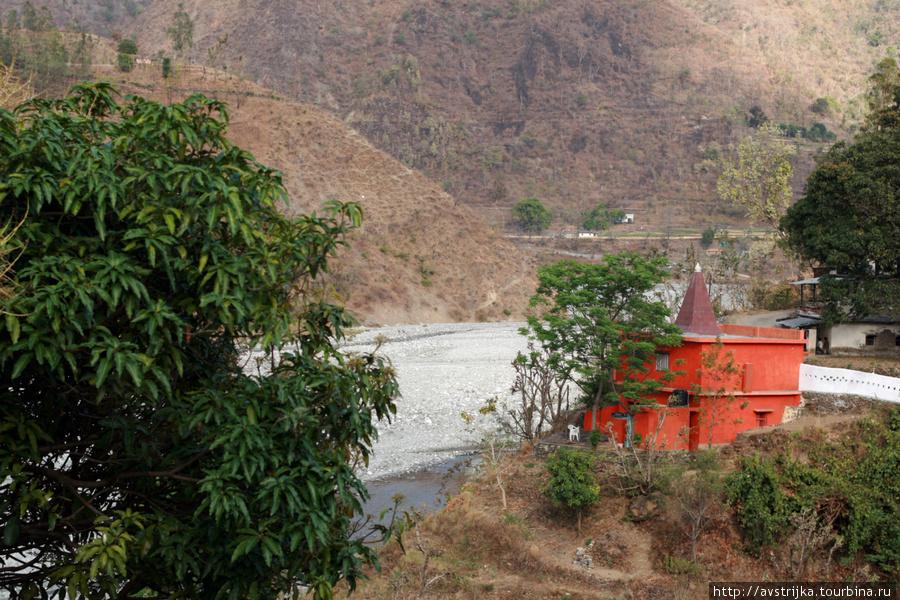 Затерянный в горах ашрам Халдвани, Индия