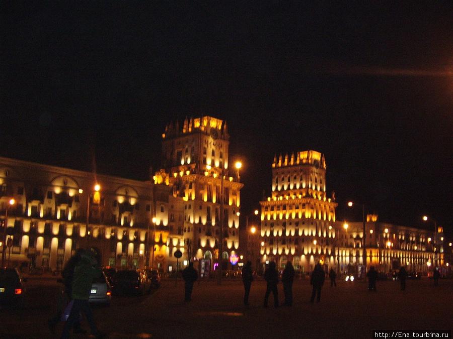 17.03.2010. Минск. Привокзальная площадь. Ворота города