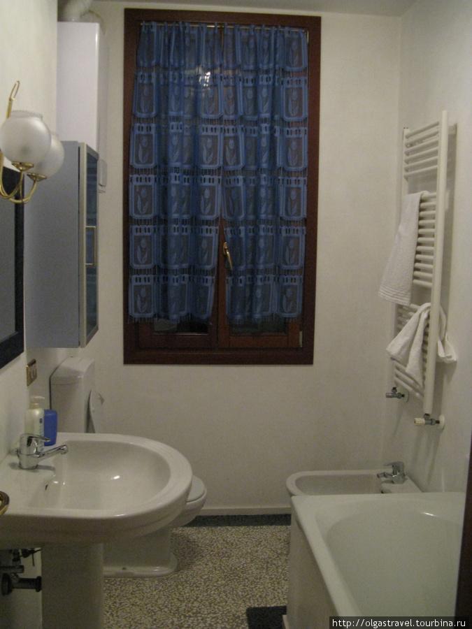 Ванная комната: и биде — а как же без него.